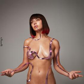 Charli XCX《White Mercedes》高品质音乐mp3-歌词-百度网盘下载-江城亦梦